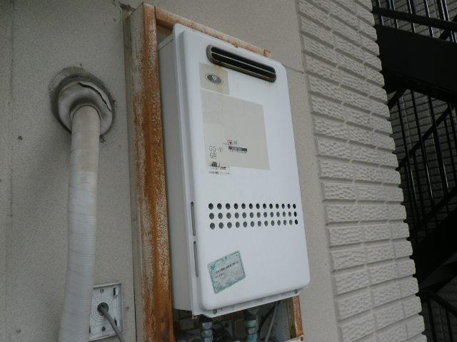 尼崎市富松町 マンション ノーリツ16号ガス給湯器 取替交換工事施工 34-315 から GQ-1639WS