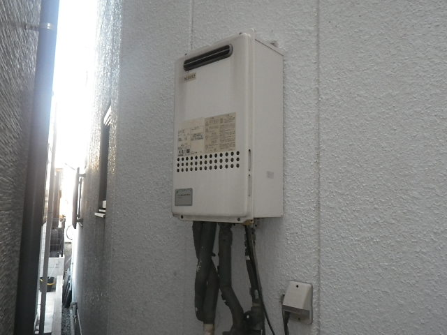 尼崎市南城内 戸建住宅 ノーリツ24号ガス給湯器 高温水供給式 取替交換工事施工 GQ-2413AW から GQ-2427AWX-DX BL