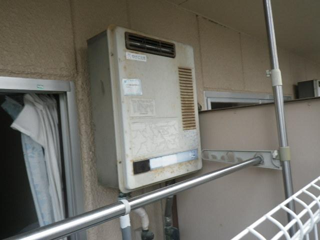 兵庫県尼崎市塚口本町 マンション ノーリツ16号ガス給湯器 取替交換工事施工 RGH1600NB から GQ-1639WS