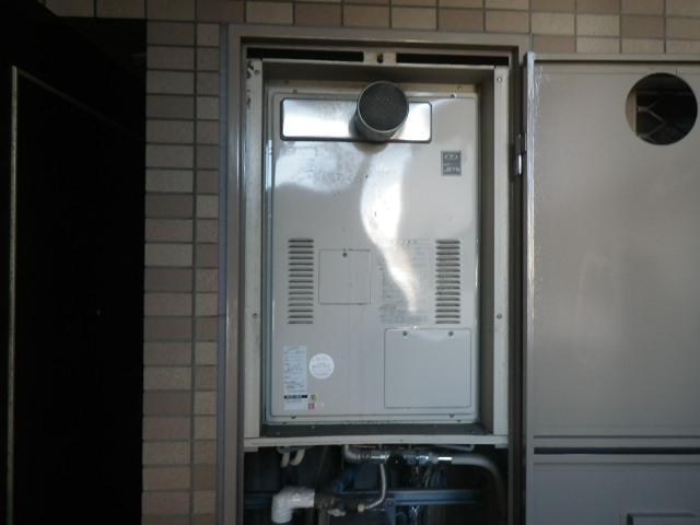 大阪市港区弁天 マンション ノーリツ24号ガス温水暖房付ふろ給湯器 取替交換工事施工 44-991A から GQH-2443AWXD-T-DX BL