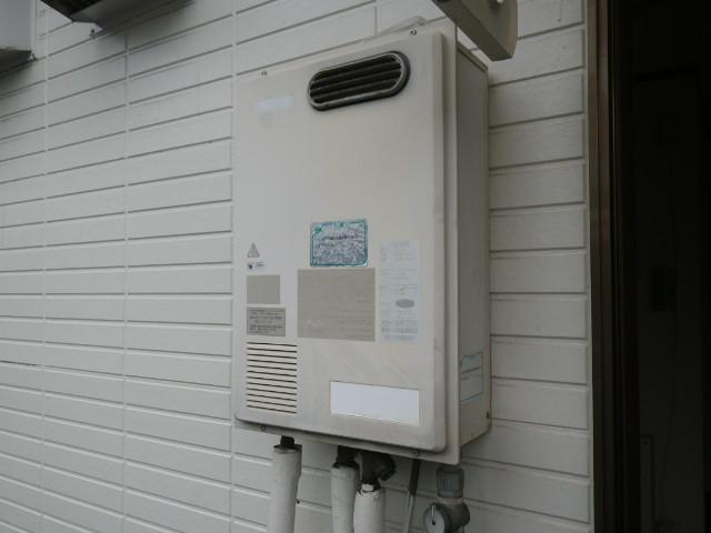 尼崎市立花町ハイツ リンナイ16号ガス給湯器 高温差し湯 取替交換工事 RGH-16SBDB から RUJ-V1611W(A)