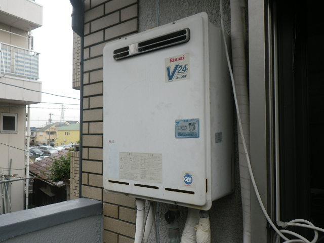 尼崎市崇徳院 戸建住宅 エコジョーズ ノーリツ24号ガスふろ給湯器 取替交換工事 RUF-V2400AW-1 から GT-C246AWX BL