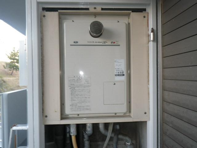 明石市東野町 マンション ノーリツ16号ガス給湯器 高温水供給式 取替交換工事施工 31-577 YV1627GR から GQ-1626AWX-60T-DX BL