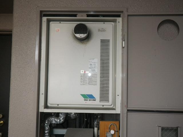 西宮市上甲子園マンション ノーリツ24号ガス給湯器 高温水供給式 取替交換工事施工 GQ-241AW-T から GQ-2427AWX-T-DXBL