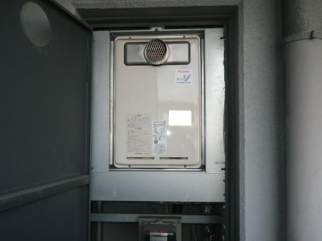 尼崎市若王寺マンション リンナイ16号ガス給湯器 高温水供給式 取替交換工事 RUJ-V1610T から RUJ-V1611T