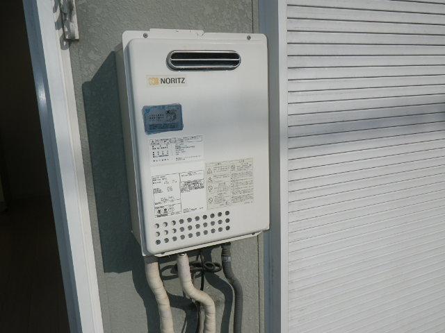 伊丹市柏木町ハイツ ノーリツ16号ガス給湯器 取替交換工事 GQ-1637WS から GQ-1639WS