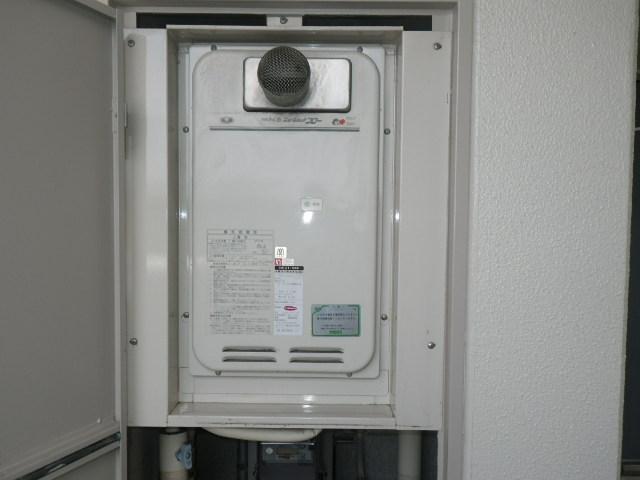 川西市中央町 マンション ノーリツ16号ガス給湯器 高温水供給式 取替交換工事施工 31-666 から GQ-1627AWX-T-DX BL