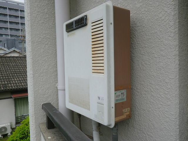 尼崎市稲葉荘 マンション ノーリツ16号ガス給湯器 取替交換工事施工 33-691A から GQ-1639WS
