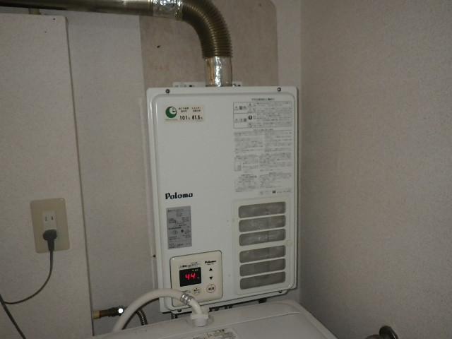 西宮市西平町 マンション ノーリツ16号ガス給湯器 屋内設置 取替交換工事施工 PH-16SXFS から GQ-1637WSD-F-1