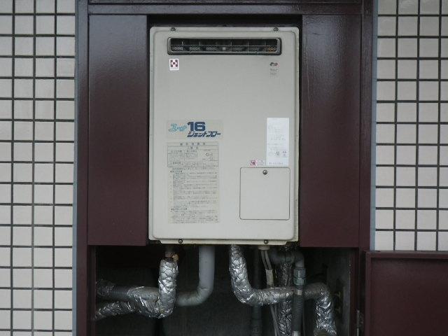 芦屋市春日町 マンション リンナイ ガス給湯器 高温水供給式 取替交換工事施工 YV1627R から RUJ-V1611W(A)