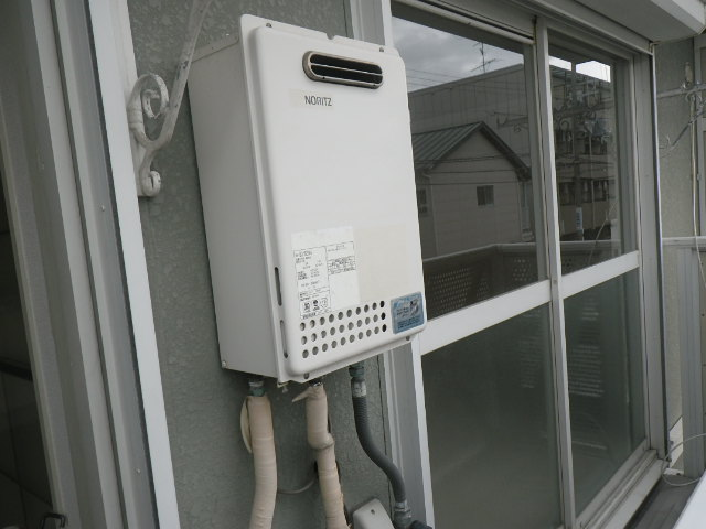 兵庫県伊丹市柏木町ハイツ ノーリツ16号ガス給湯器 取替交換工事施工 GQ-1623WA から GQ-1639WS