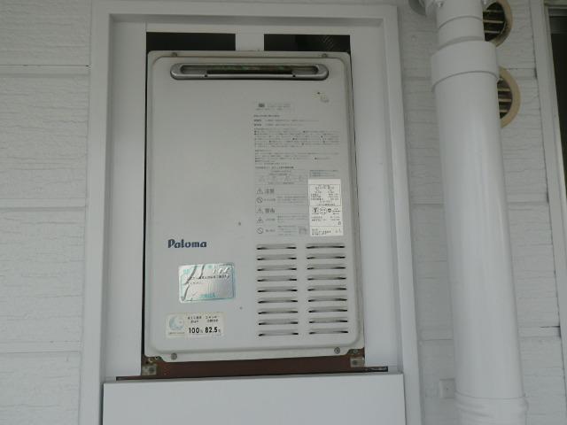 芦屋市春日町マンション リンナイ 16号ガス給湯器 取替交換工事施工 PH-16LX から GQ-1639WS