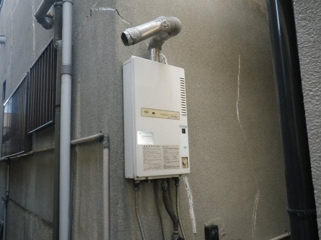 尼崎市杭瀬北新町ハイツ ノーリツ16号ガス給湯器 取替交換工事施工 33-842 から GQ-1639WS
