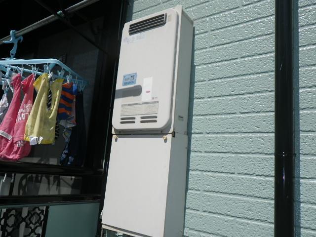 神戸市灘区泉通 ハイツ ノーリツ16号ガス給湯器 高温水供給式 取替交換工事施工 KSJ-162SA から GQ-1627AWX-DX BL