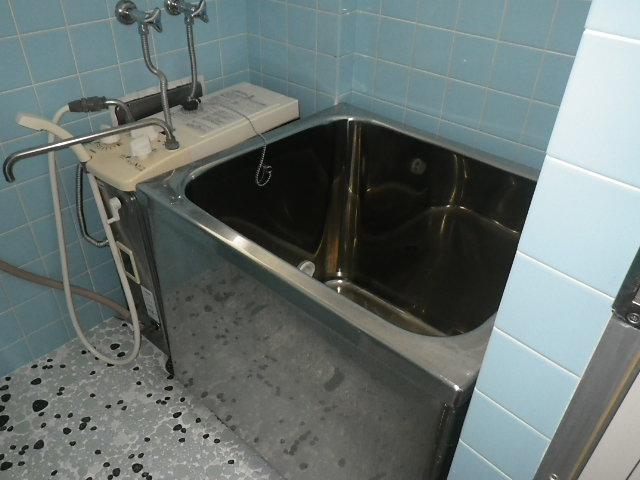西宮市江上町 マンション ハウステック カベピタパックイン 浅型浴槽 取替交換工事施工 GBSQ-605 から WFK-1602SA