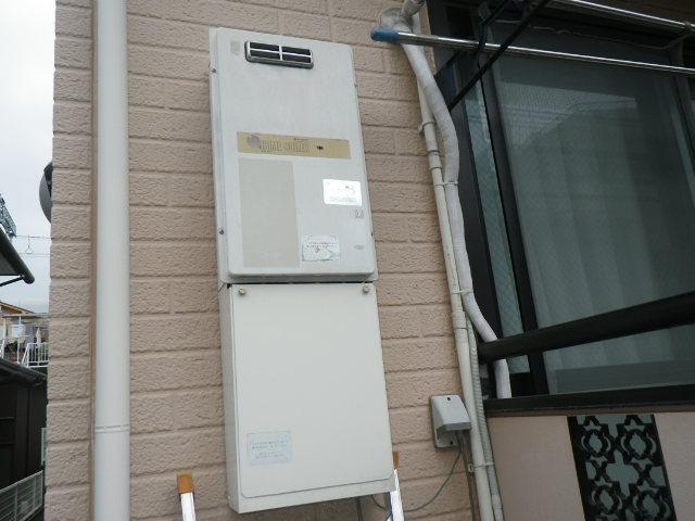 神戸市東灘区魚崎南町 ハイツ ノーリツ16号ガス給湯器 取替交換工事施工 KS-163LBH から GQ-1639WS