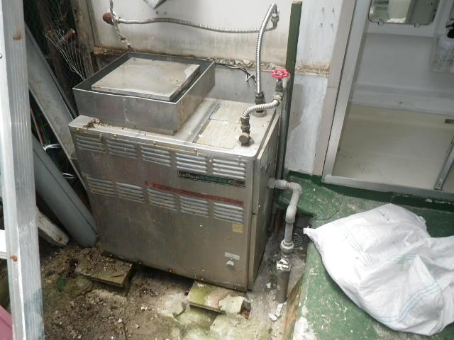 尼崎市稲葉荘 戸建住宅 リンナイ16号ガスふろ給湯器 取替交換工事施工 OK-KS-K から RUF-A1610SAG
