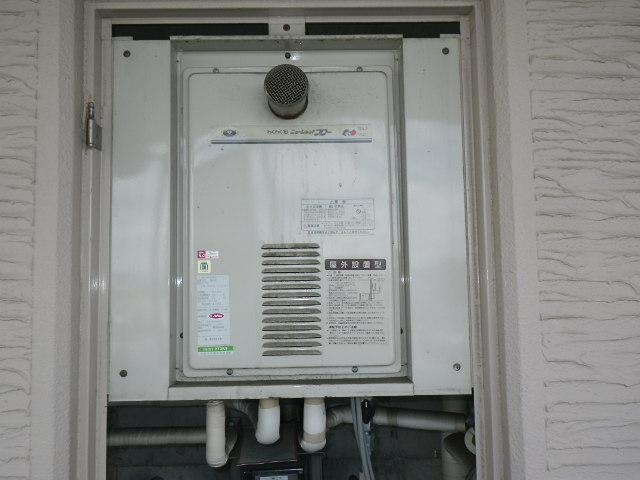 大阪市東淀川区大道マンション ノーリツ16号ガス給湯器 取替交換工事施工 31-772 から GQ-1627AWX-T-DX BL