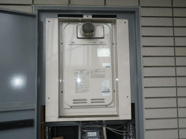 西宮市甲子園口 マンション ノーリツ16号ガス給湯器 取替交換工事施工 131-8082A から GQ-1627AWX-T-DX BL