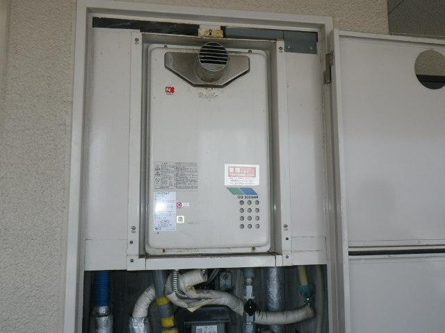 明石市東野町 マンション ノーリツ16号ガス給湯器 高温水供給式 取替交換工事施工 GQ-2020AW-T から GQ-2027AWX-T-DX BL