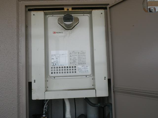 西宮市小松西町マンション ノーリツ16号ガス給湯器 取替交換工事施工 GQ-1623WE-T から GQ-1637WS-T