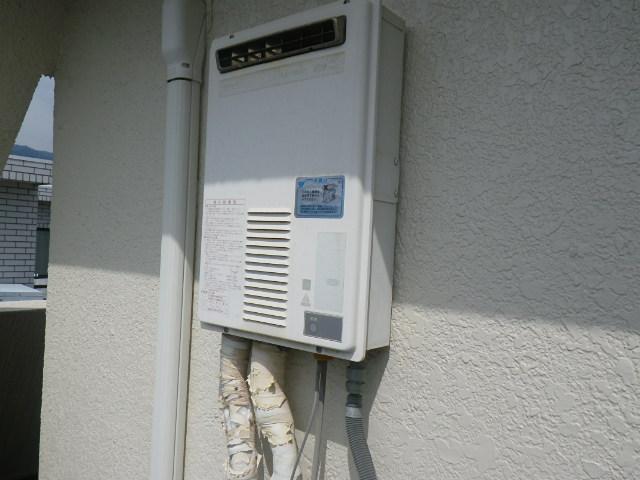 神戸市東灘区御影本町マンション ノーリツ16号ガス給湯器 取替交換工事施工 KS-1660 から GQ-1639WS