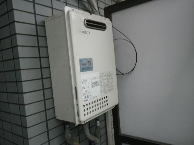 西宮市東鳴尾町ハイツ ノーリツ16号ガス給湯器 取替交換工事施工 GQ-1637WS から GQ-1639WS