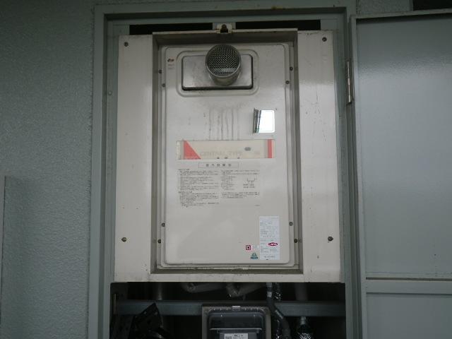 西宮市甲子園マンション ノーリツ16号ガス給湯器 取替交換工事施工 YS1620RG から GQ-1639WS-T