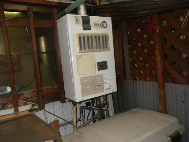 西宮市東鳴尾町 戸建住宅 ノーリツ 16号 ガス給湯器 屋内設置 取替交換工事施工 GS-160E-1 から GQ-1637WSD-F-1