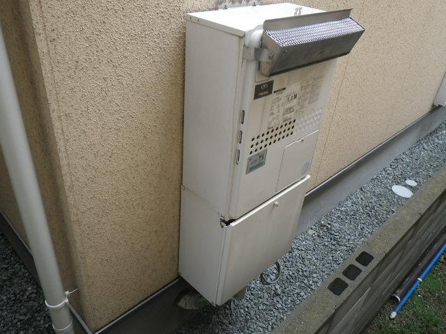 尼崎市南塚口町 戸建住宅 ノーリツ 24号 エコジョーズ 温水暖房付ふろ給湯器 取替交換工事施工 135-N350 GTH-2435SAWX3H から GTH-C2449SAWXD-2