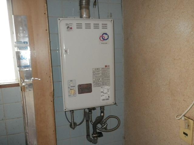 西宮市江上町 マンション ノーリツ 16号ガス給湯器 屋内設置 取替交換工事施工 TP-WQ164W-1 から GQ-1637WSD-F-1