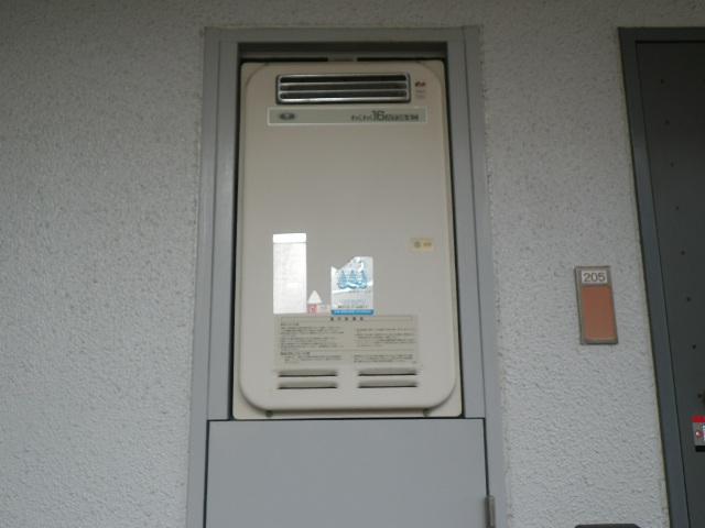西宮市江上町マンション ノーリツ16号ガス給湯器 取替交換工事施工 33-391 YS-1621RR から GQ-1639WS