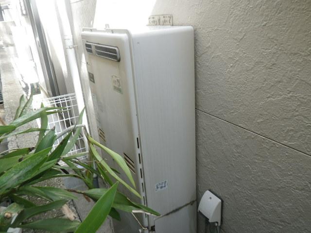 尼崎市上之島 戸建住宅 ノーリツ24号ガスふろ給湯器 取替交換工事施工 135-R050 RUFH-V2403AW から GT-2460SAWX-1
