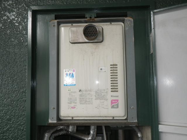 神戸市兵庫区塚本通マンション ノーリツ16号ガス給湯器 取替交換工事施工 RUX-1611PSOT-E から GQ-1639WS-T-1