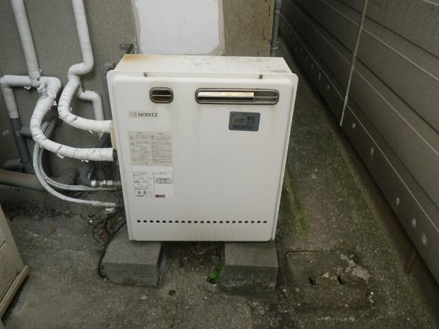 西宮市門戸西町 戸建住宅 エコジョーズ ノーリツ16号ガスふろ給湯器 据置型  GT-1627SARX から GT-C166SARX