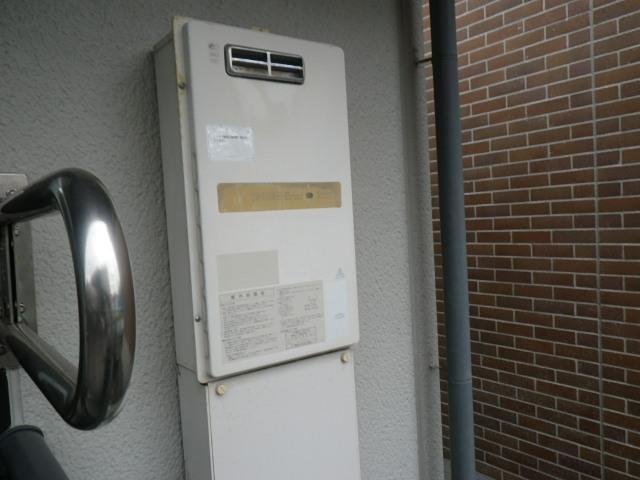 西宮市門戸荘 ハイツ ノーリツ16号ガス給湯器 取替交換工事施工 KS-163LBH から GQ-1639WS-1