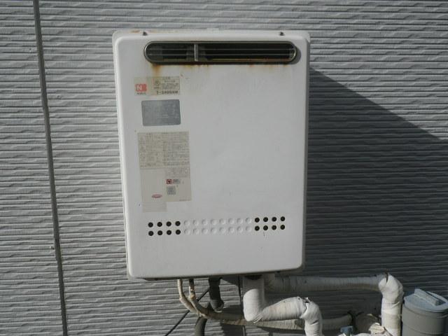 神戸市灘区篠原南町 2世帯戸建住宅 ノーリツ24号ガスふろ給湯器 取替交換工事施工 T-248SAW から GT-2460SAWX-1 BL
