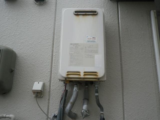 尼崎市三反田町ハイツ ノーリツ16号ガス給湯器 高温水供給式 取替交換工事施工 YV1646R から GQ-1627AWX-DX BL