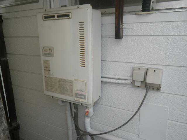 尼崎市上坂部マンション ノーリツ16号ガス給湯器 取替交換工事施工 RUX-1000UPS から GQ-1639WS-1