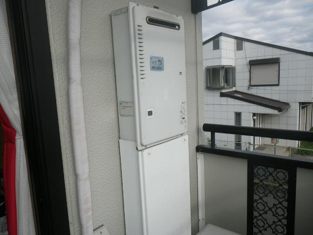 西宮市甲子園洲鳥町マンション ノーリツ16号ガス給湯器 取替交換工事施工 PH-16CWQ から GQ-1639WS-1