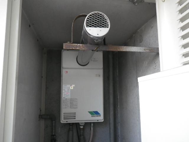 大阪市福島区玉川マンション ノーリツ24号ガス給湯器 取替交換工事施工 GQ-242W-T から GQ-2439WS-C-1