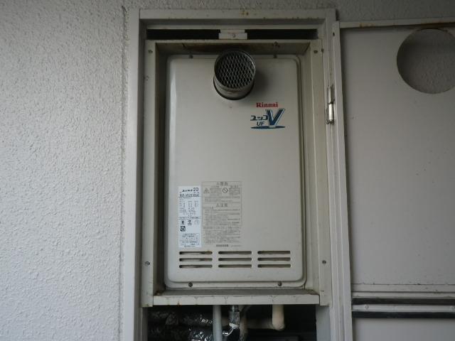 茨木市双葉町マンション リンナイ20号ガスふろ給湯器 取替交換工事施工 RUF-2010SAT