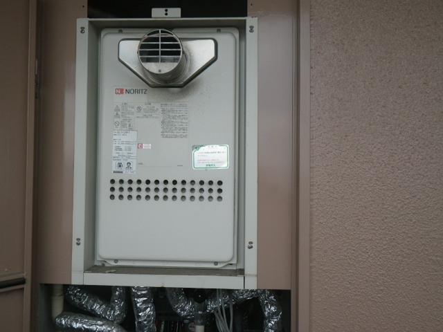 尼崎市南神田通マンション ノーリツ24号ガス給湯器 高温差し湯 取替交換工事施工 GQ-2413AW-T から GQ-2427AWX-T-DX BL
