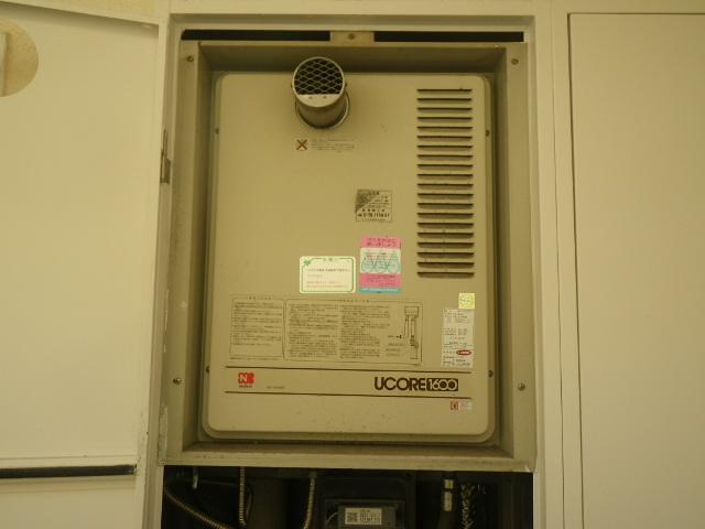 尼崎市塚口本町マンション ノーリツ16号ガス給湯器 取替交換工事施工 GQ-1600WTS から GQ-1639WS-T-1