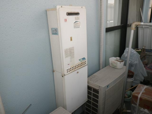 西宮市津門呉羽町マンション ノーリツ16号ガス給湯器 取替交換工事施工 GQ-1610WE から GQ-1639WS-1