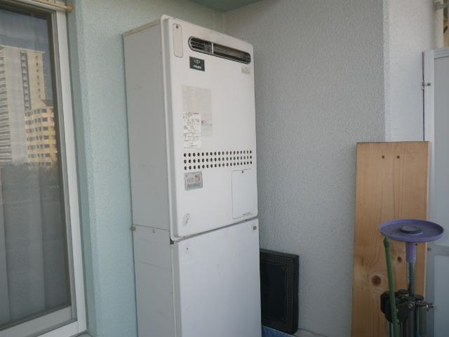 神戸市東灘区向洋町中マンション ノーリツ24号ガス温水暖房付給湯器 取替交換工事施工 44-250 GTH-2401AWXH から GTH-2444AWX3H-1