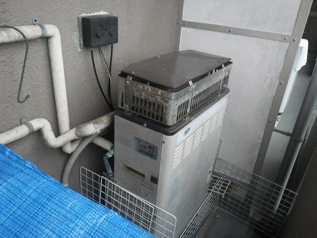 尼崎市元浜町マンション ノーリツ16号ガス追炊き付給湯器 取替交換工事施工 31-038 から GT-1660SAWX-1 BL