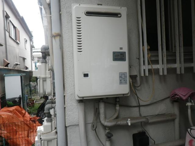 伊丹市瑞穂町 戸建住宅 ノーリツ16号ガス給湯器 取替交換工事施工 パロマPH-16CWQ から GQ-1639WS-1