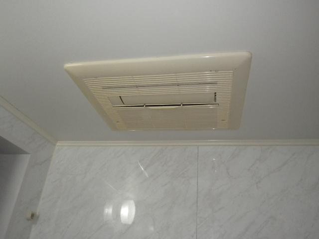 大阪市西区南堀江マンション ノーリツ 温水式浴室暖房乾燥機 取替交換工事施工 161-5510 から BDV-4104AUKNC-J3 BL
