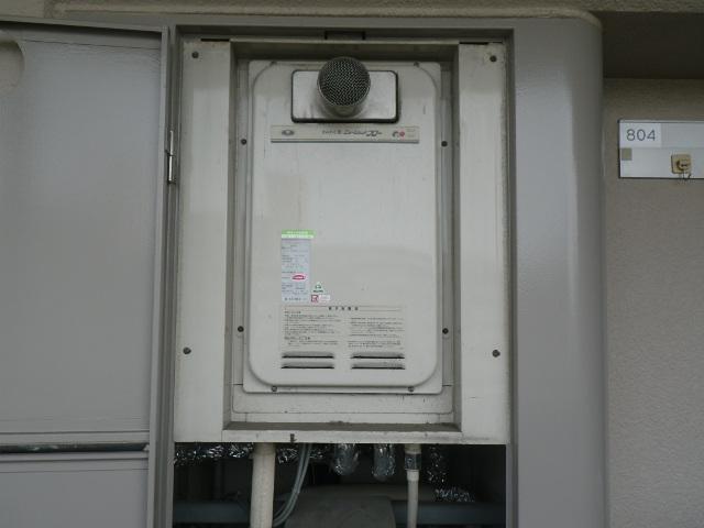 尼崎市西難波町マンション ノーリツ 16号ガス給湯器 高温水供給式 取替交換工事施工 31-763 YV1622RG から GQ-1627AWX-T-DX BL